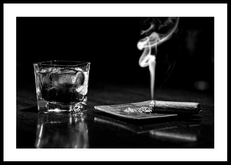 Whiskey And Cigar-0